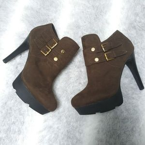 Guess Kona olive double buckle platform ankle boot